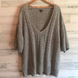 Gray cable knit v neck sweater